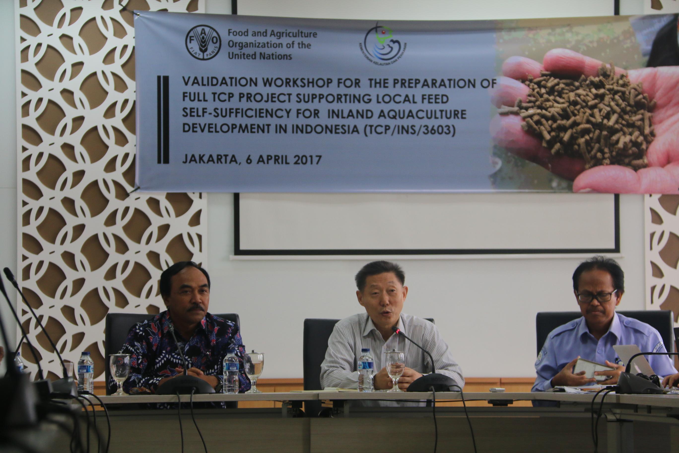 DIRJEN PB DAN KEPALA REGIONAL FAO ASIA PASIFIK MEMBUKA WORKSHOP PENGEMBANGAN PAKAN IKAN MANDIRI